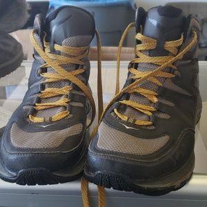 Hoka one one boots